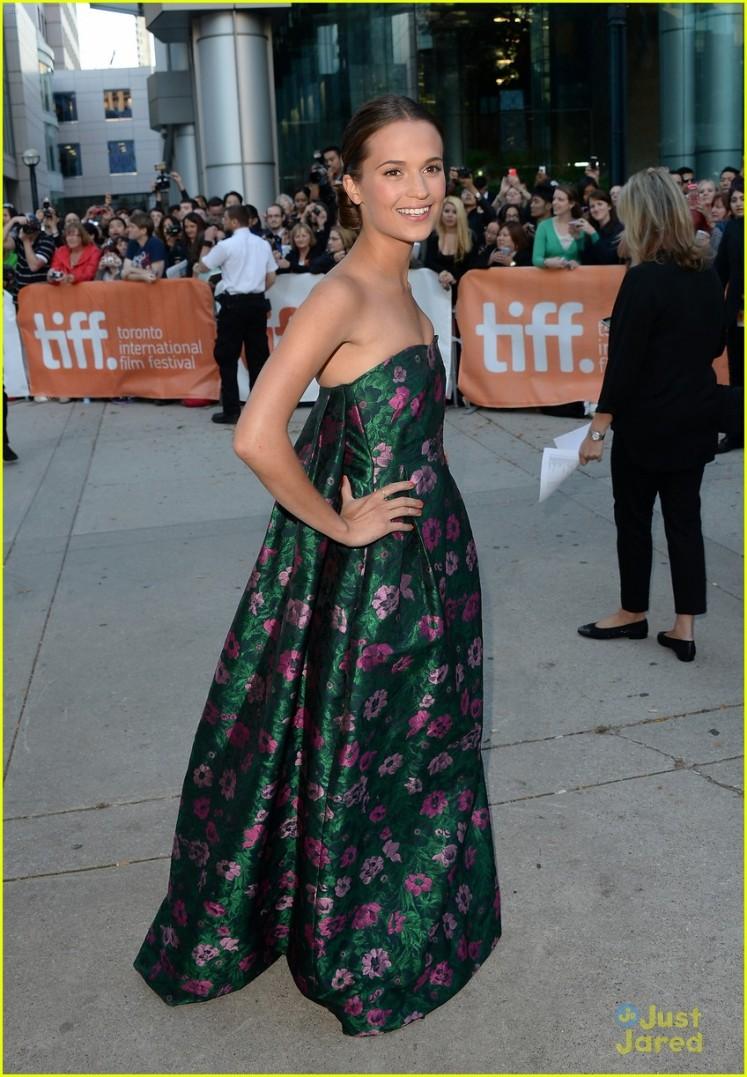 """The Fifth Estate"" Premiere - Arrivals - 2013 Toronto International Film Festival"
